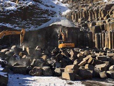 内蒙古赤峰市鼎岩石材加工厂