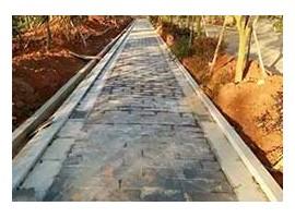 滨州青石板铺设人行道