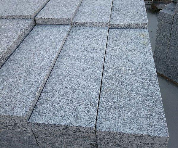 厚实的长方形章丘灰花岗岩3