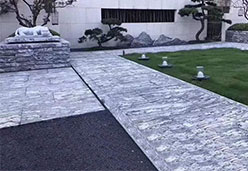 中式小区里的资江白石地板