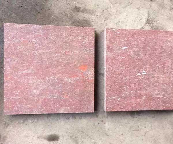 自家室外停车场铺设的福寿红石板3